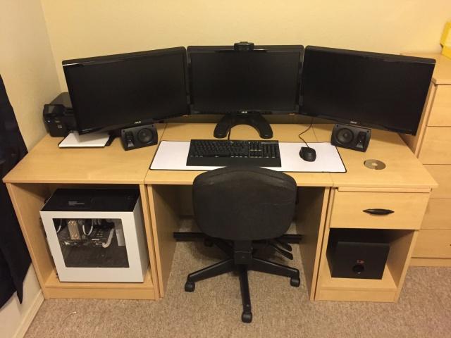 PC_Desk_MultiDisplay76_35.jpg