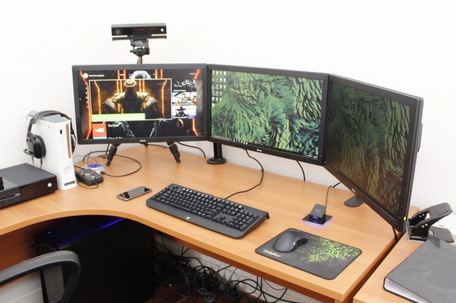 PC_Desk_MultiDisplay76_38.jpg