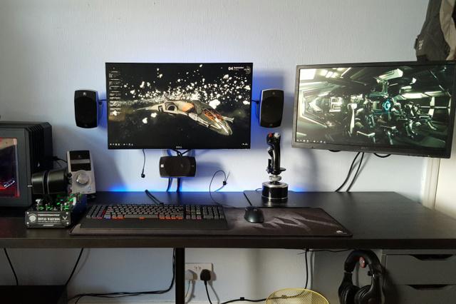 PC_Desk_MultiDisplay76_41.jpg