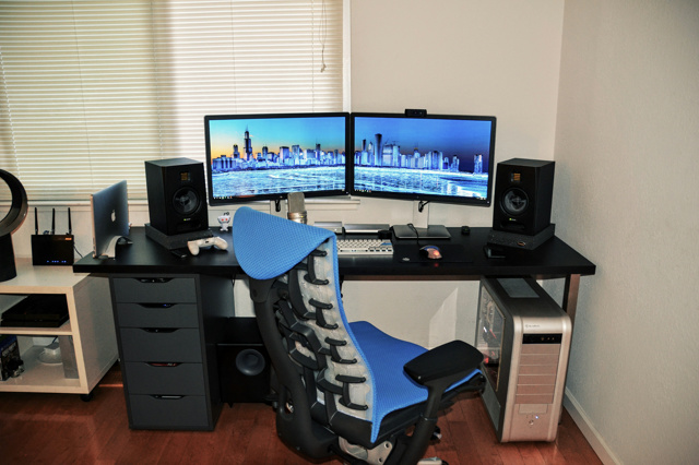 PC_Desk_MultiDisplay76_45.jpg