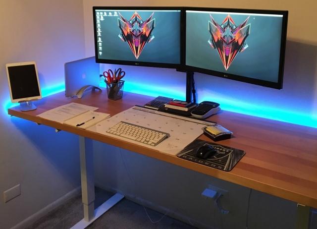 PC_Desk_MultiDisplay76_58.jpg