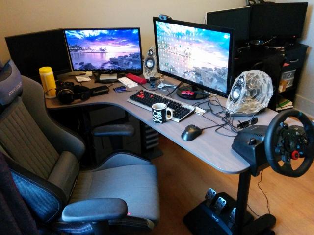 PC_Desk_MultiDisplay76_62.jpg