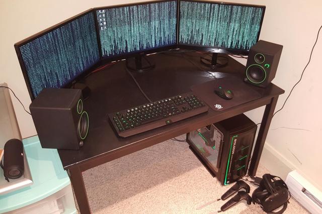 PC_Desk_MultiDisplay76_64.jpg