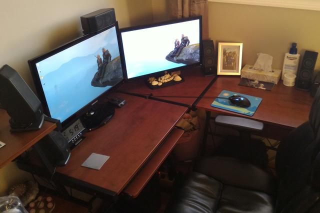 PC_Desk_MultiDisplay76_73.jpg