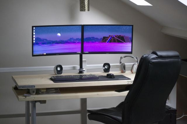 PC_Desk_MultiDisplay76_92.jpg