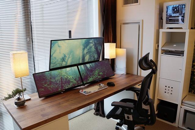PC_Desk_UltlaWideMonitor10_03.jpg