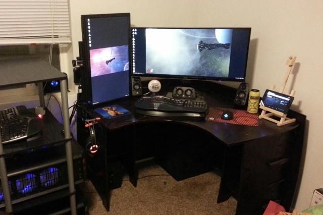 PC_Desk_UltlaWideMonitor10_12.jpg