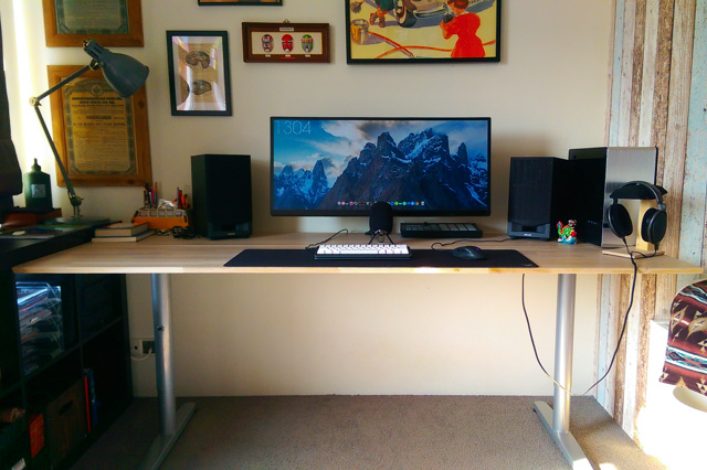 PC_Desk_UltlaWideMonitor10_14.jpg