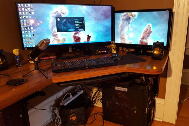 PC_Desk_UltlaWideMonitor10_16.jpg