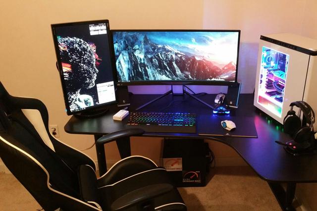 PC_Desk_UltlaWideMonitor10_32.jpg