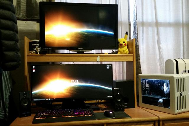 PC_Desk_UltlaWideMonitor10_35.jpg