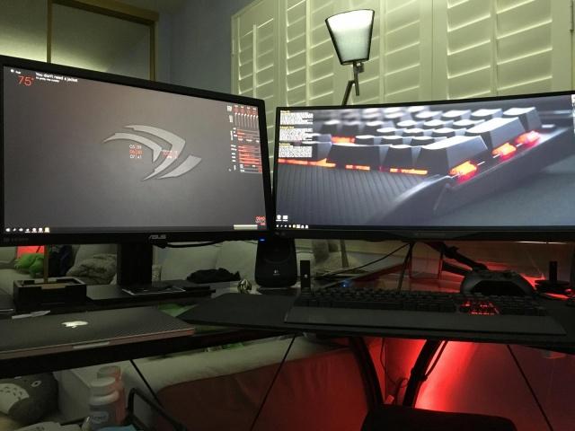 PC_Desk_UltlaWideMonitor10_38.jpg