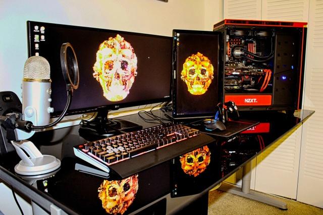 PC_Desk_UltlaWideMonitor10_44.jpg