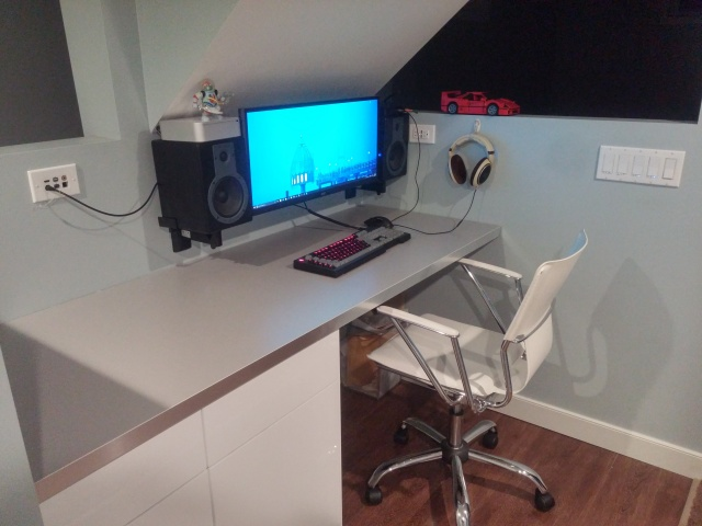 PC_Desk_UltlaWideMonitor10_48.jpg