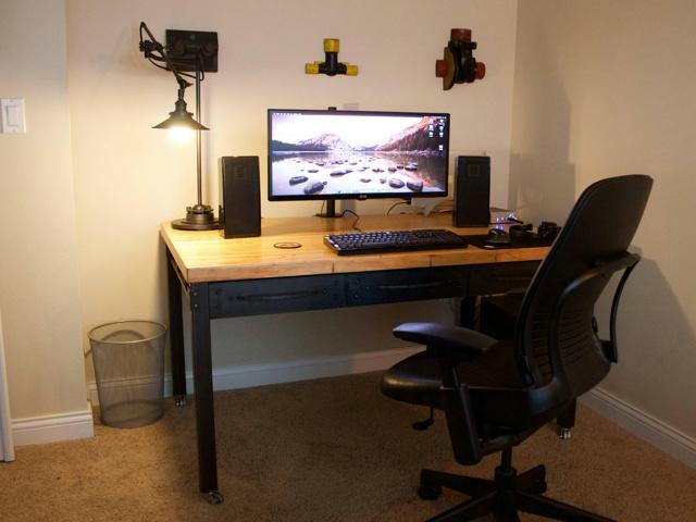 PC_Desk_UltlaWideMonitor10_51.jpg