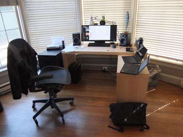 PC_Desk_UltlaWideMonitor10_53.jpg