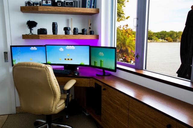 PC_Desk_UltlaWideMonitor10_62.jpg