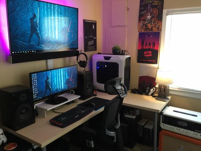 PC_Desk_UltlaWideMonitor10_70.jpg