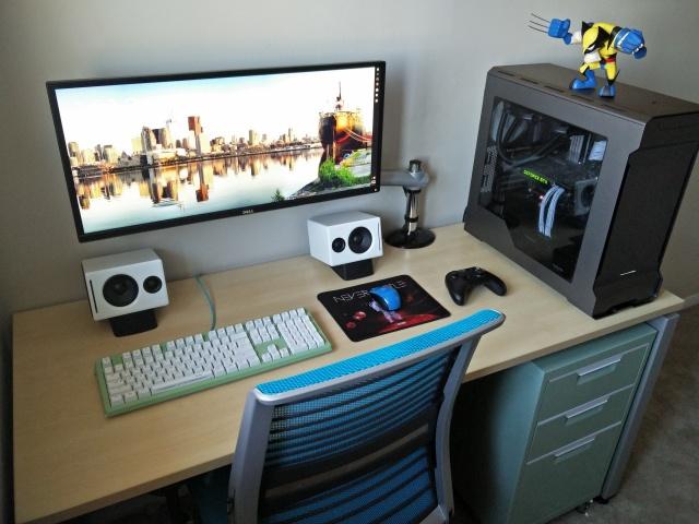 PC_Desk_UltlaWideMonitor10_76.jpg