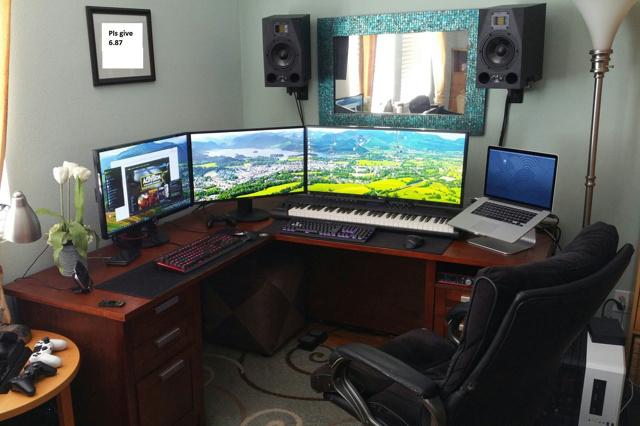 PC_Desk_UltlaWideMonitor10_82.jpg