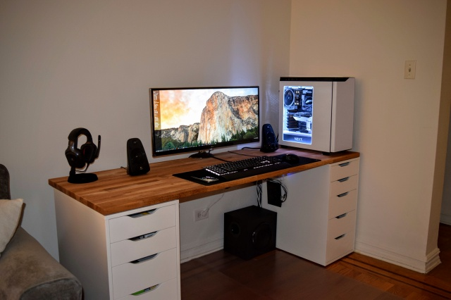 PC_Desk_UltlaWideMonitor11_12.jpg