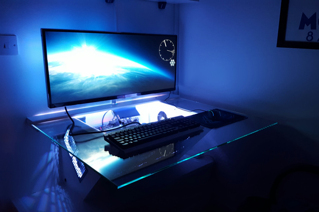 PC_Desk_UltlaWideMonitor11_29.jpg
