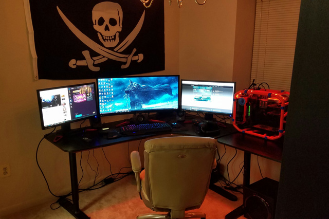 PC_Desk_UltlaWideMonitor11_49.jpg