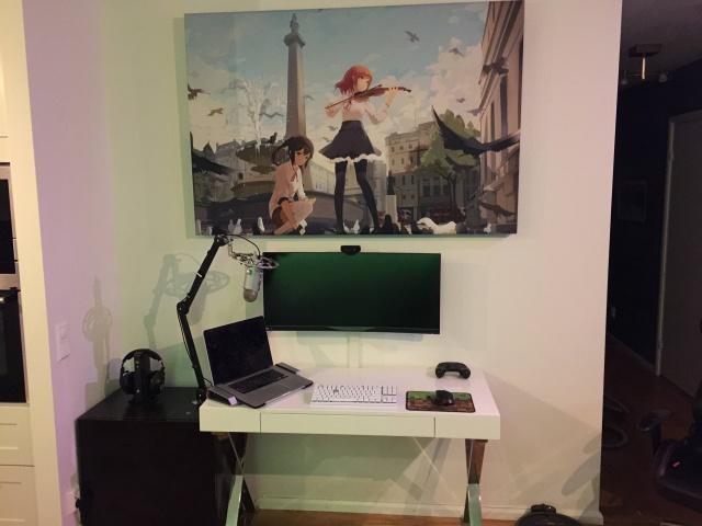 PC_Desk_UltlaWideMonitor11_53.jpg