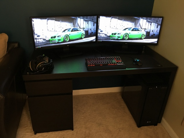PC_Desk_UltlaWideMonitor11_79.jpg