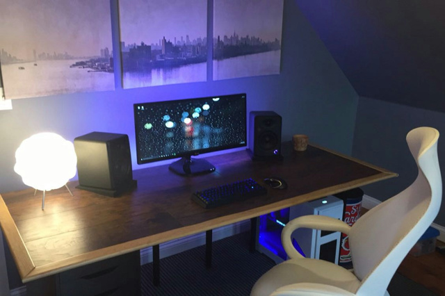 PC_Desk_UltlaWideMonitor11_81.jpg