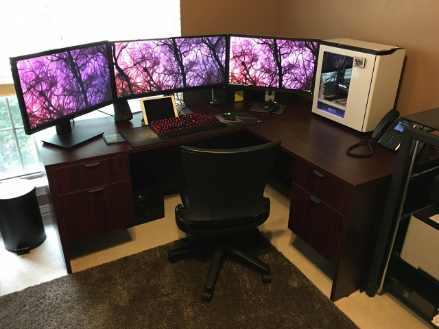 PC_Desk_UltlaWideMonitor11_86.jpg