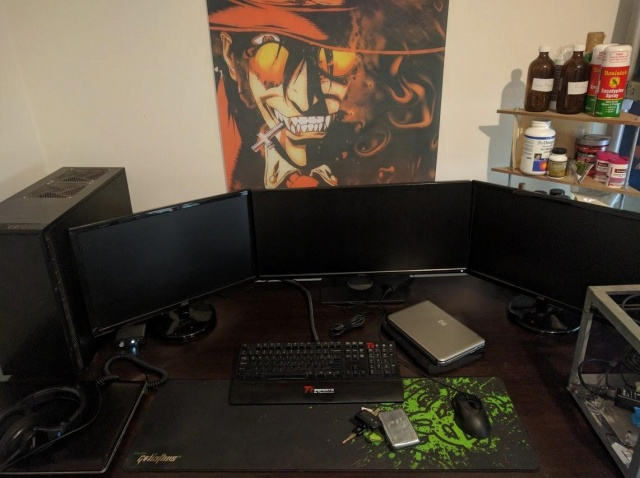 PC_Desk_UltlaWideMonitor12_36.jpg
