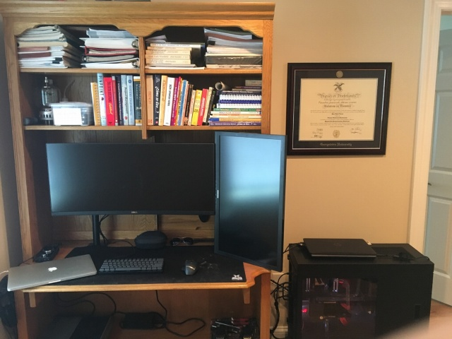 PC_Desk_UltlaWideMonitor12_80.jpg