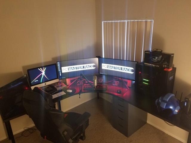 PC_Desk_UltlaWideMonitor13_26.jpg