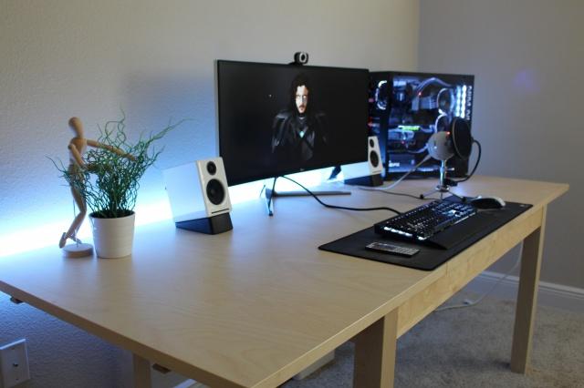 PC_Desk_UltlaWideMonitor13_29.jpg