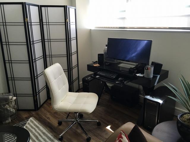 PC_Desk_UltlaWideMonitor13_35.jpg