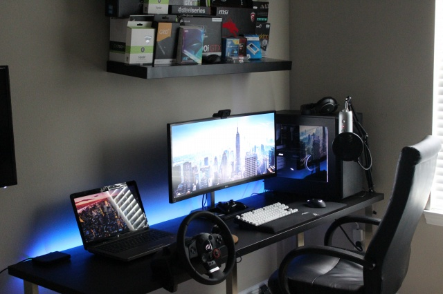 PC_Desk_UltlaWideMonitor13_36.jpg