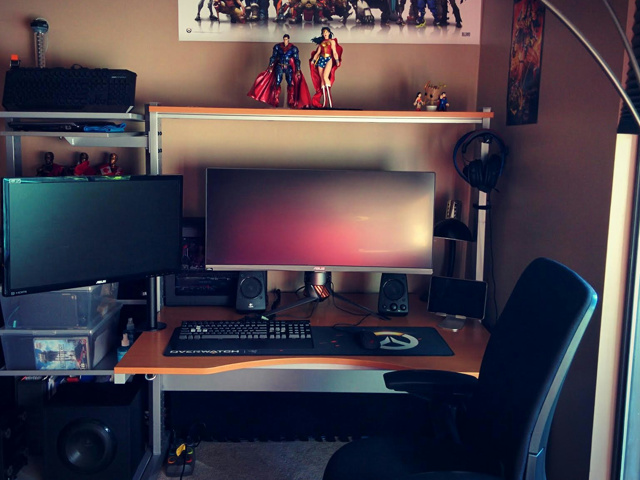 PC_Desk_UltlaWideMonitor13_47.jpg