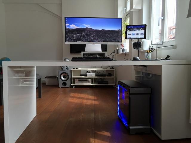 PC_Desk_UltlaWideMonitor13_48.jpg