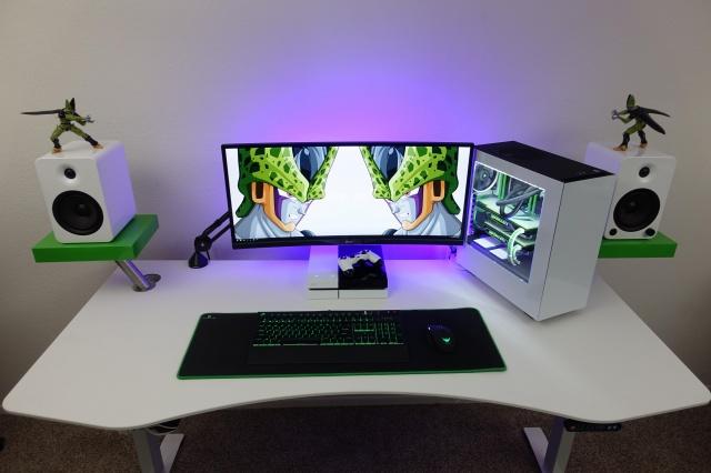 PC_Desk_UltlaWideMonitor13_51.jpg