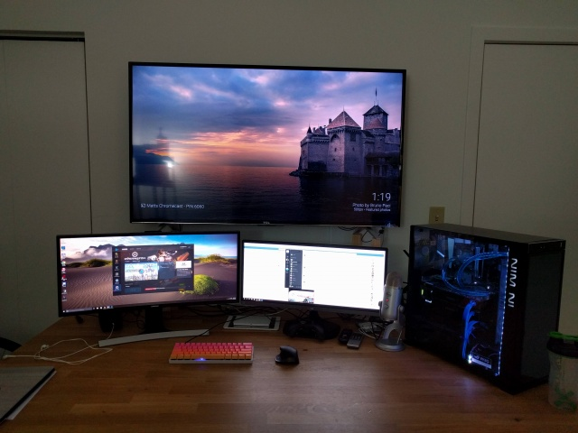 PC_Desk_UltlaWideMonitor13_52.jpg