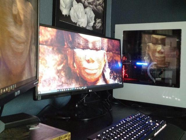 PC_Desk_UltlaWideMonitor13_60.jpg