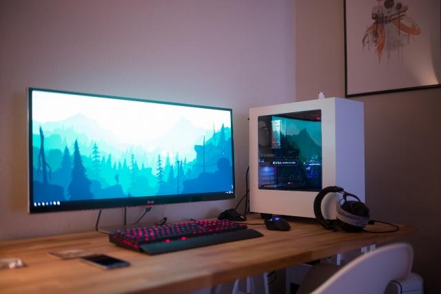 PC_Desk_UltlaWideMonitor13_66.jpg