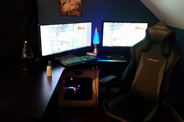 PC_Desk_UltlaWideMonitor13_85.jpg