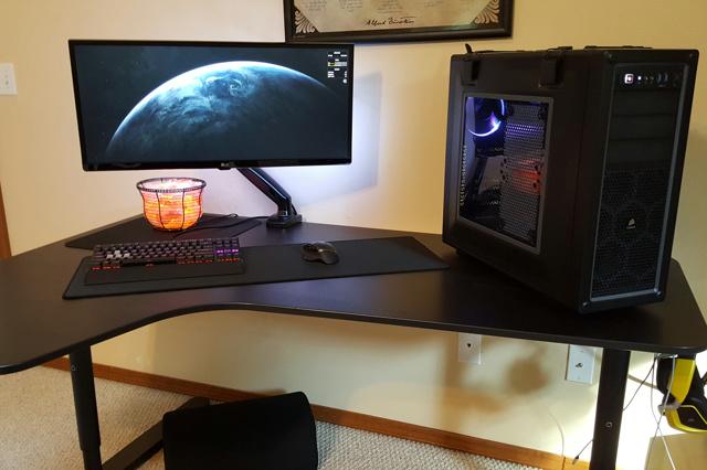 PC_Desk_UltlaWideMonitor13_88.jpg