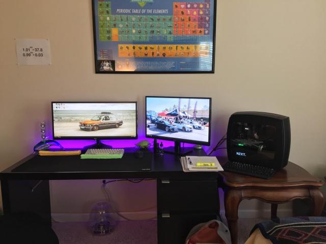 PC_Desk_UltlaWideMonitor13_98.jpg