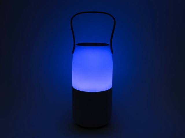 Samsung_Bottle_Speaker_09.jpg