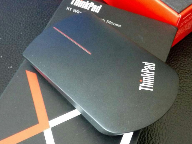 ThinkPad_X1_Wireless_Touch_Mouse_03.jpg