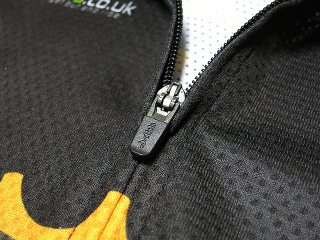 dhb-Super_Series_Jersey_07.jpg