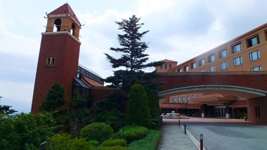 フルーツラインを眼下に眺めながら食べる富士屋ホテルのビーフシチュー最高